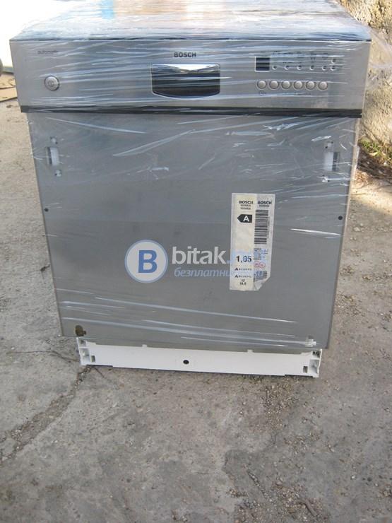 Продавам иноксова съдомиялна машина bosch зa12 комплекта клас а+