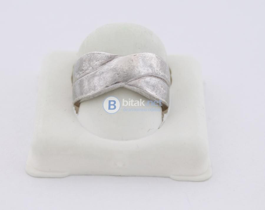 Сребърен пръстен - 4.71 гр - 14.10 лв