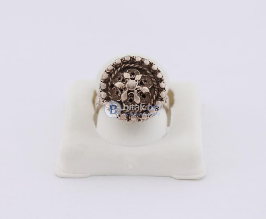 Сребърен пръстен - 5.59 гр - 16.80 лв
