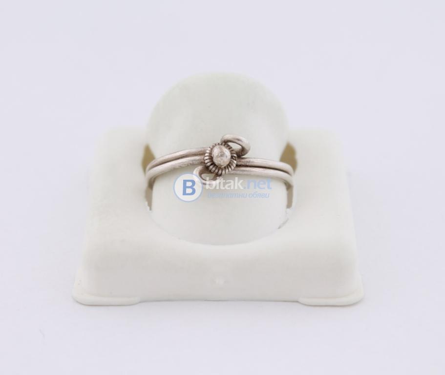 Сребърен пръстен - 1.83 гр - 5.50 лв