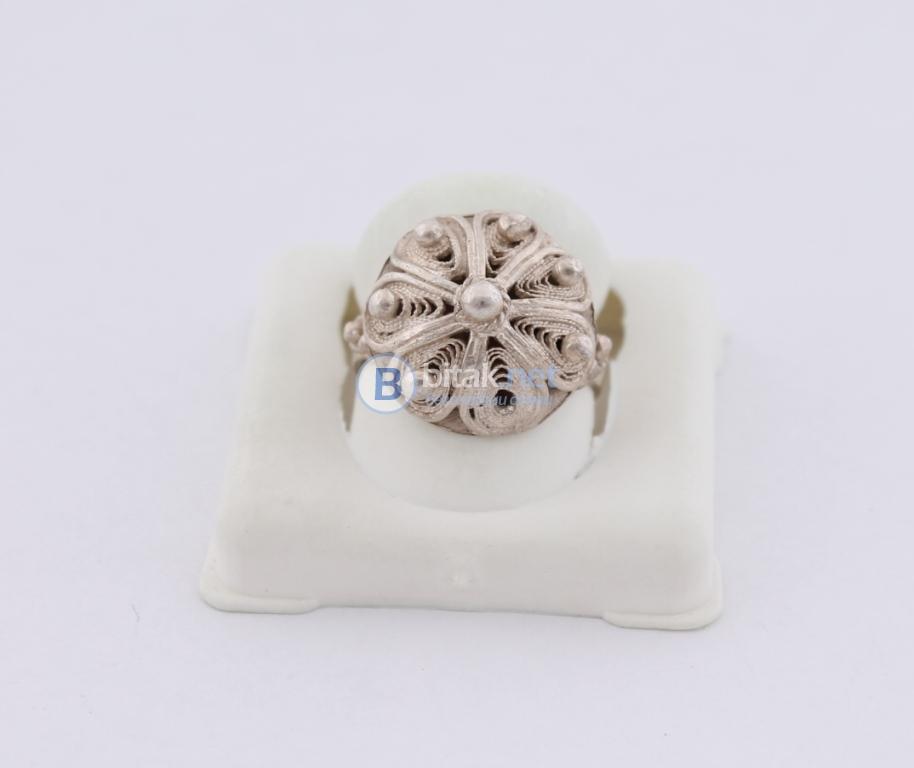 Сребърен пръстен - 5.40 гр - 16.20 лв