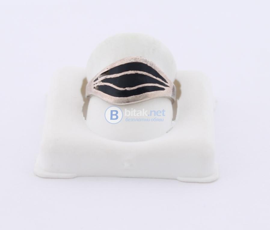 Сребърен пръстен - 2.77 гр - 8 лв