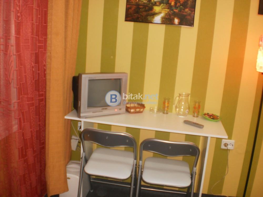 Самостоятелна стая за гости център София - 0878-699-819