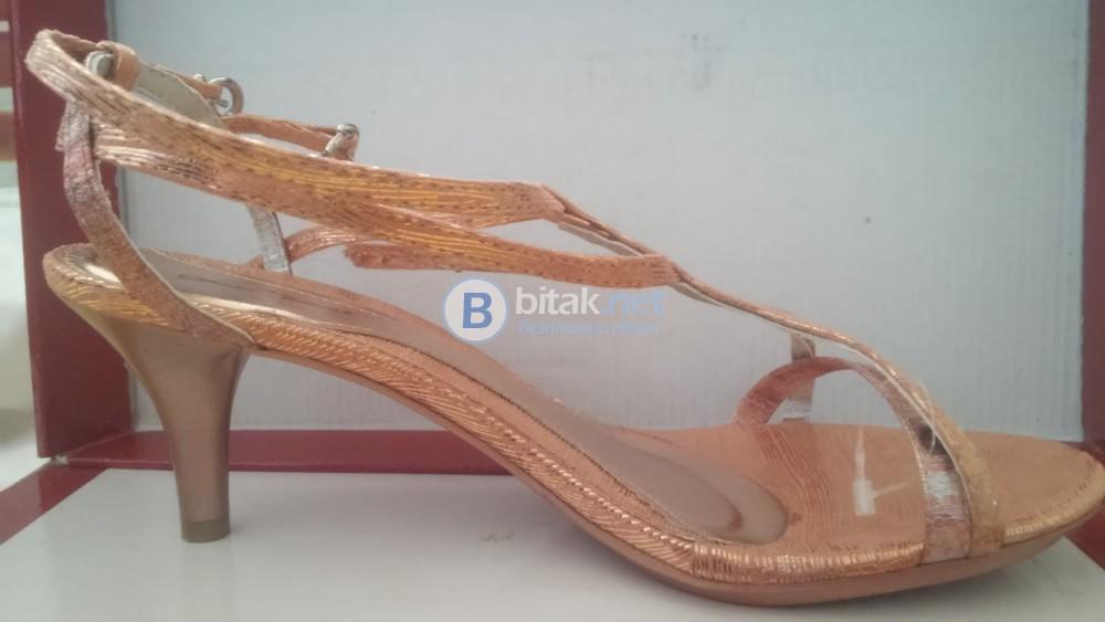 Нови Обувки тип сандал