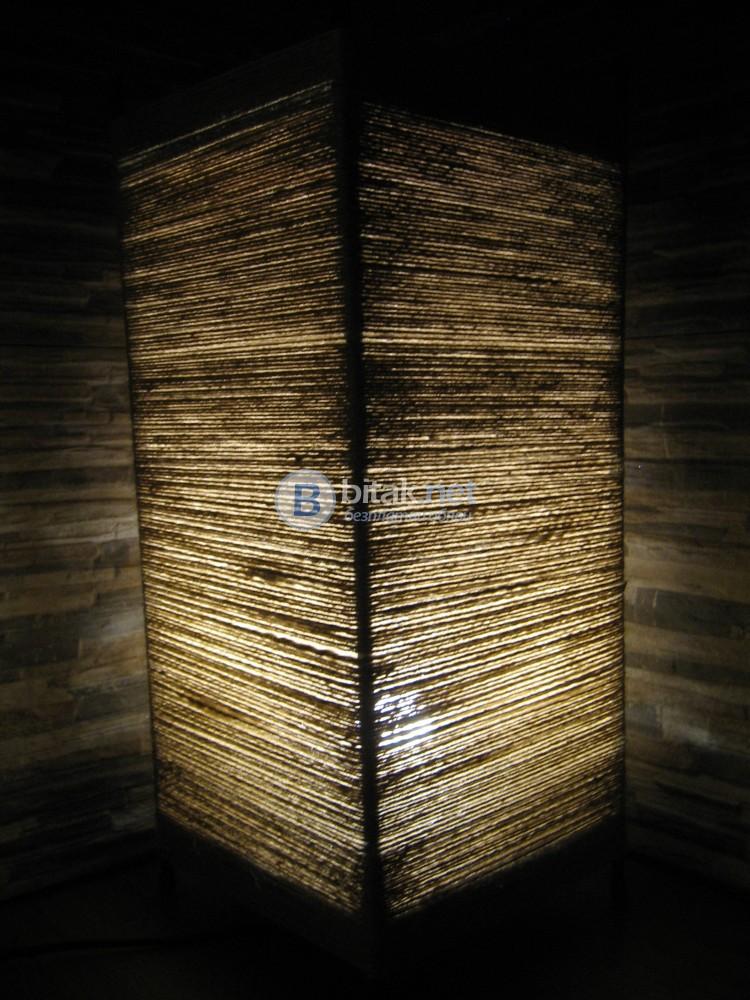 Стилна нощна лампа