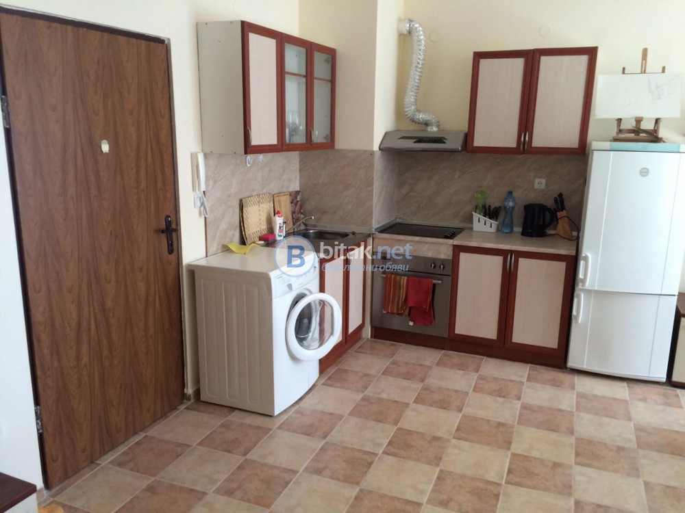 Двустаен апартамент 70 кв.м. кк Чайка м. Ален мак-1