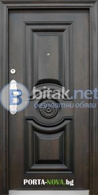 Метални врати от Порта Нова