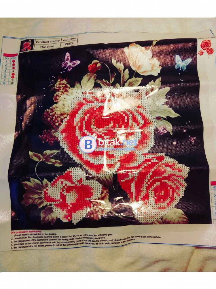 НОВ НАЛИЧЕН Диамантен гоблен рози в бяло и розово