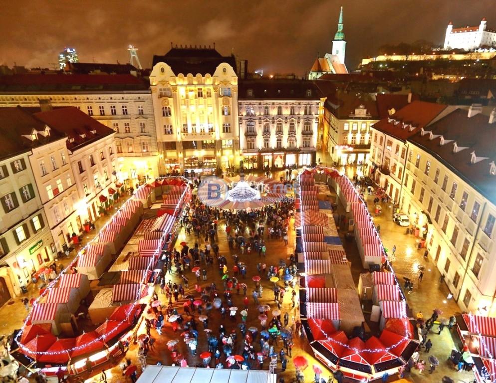 Коледни Базари - Виена и Братислава