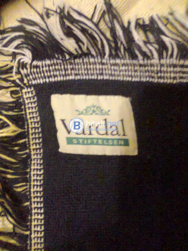 Тъкана покривка, килимче или одеало за леглото