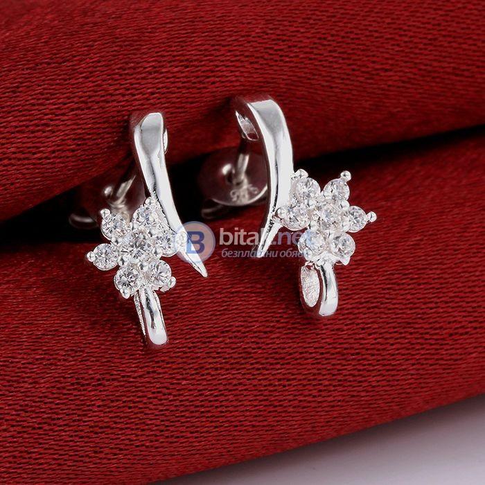 Дамски обеци с камъни маргаритка обеци с винтчета сребърно покритие 925