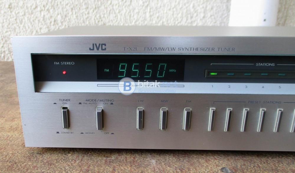 JVC – T-X2L – Качествен аналогов FM,MW,LW тунер със седем мемори.