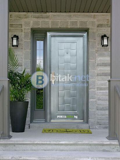 Стилна врата от Порта Нова Бургас.