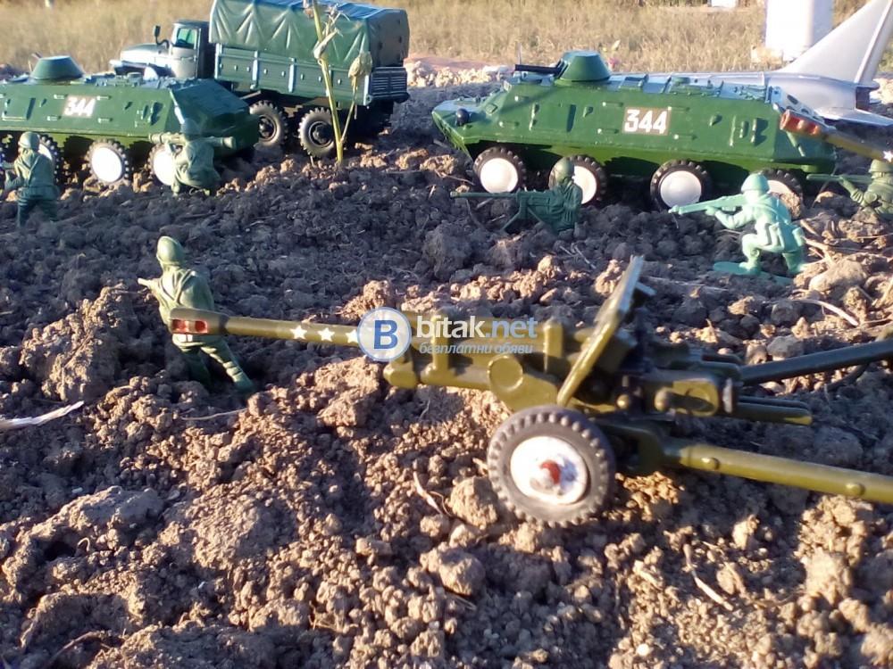 Два броя колекционерски БТР - 60 ПБ производство СССР ! В мащаб 1:43