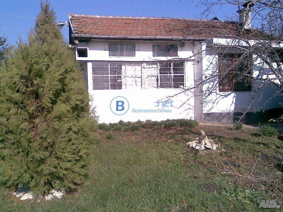 Къща в с. Загорци , област Бургас
