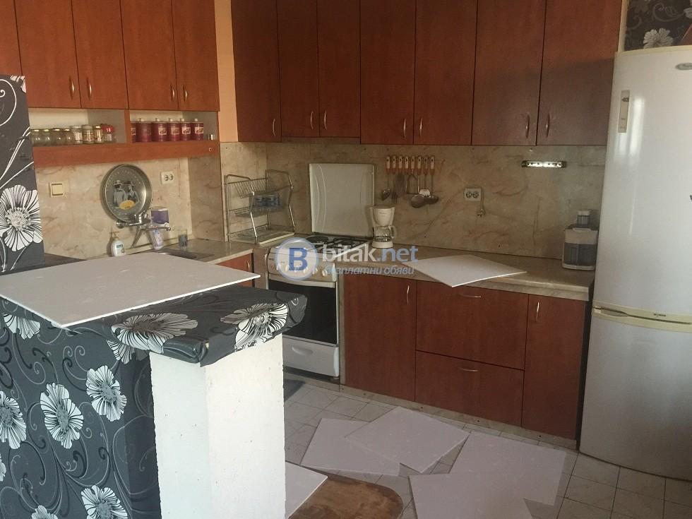 Тристаен апартамент-120кв.м.