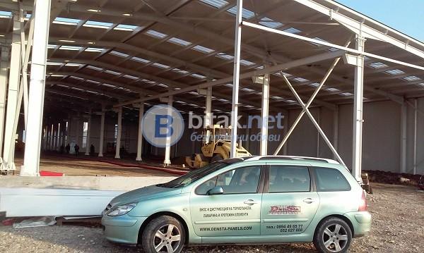 Покривни поликарбонатни панели за естествено осветление на индустриални сгради