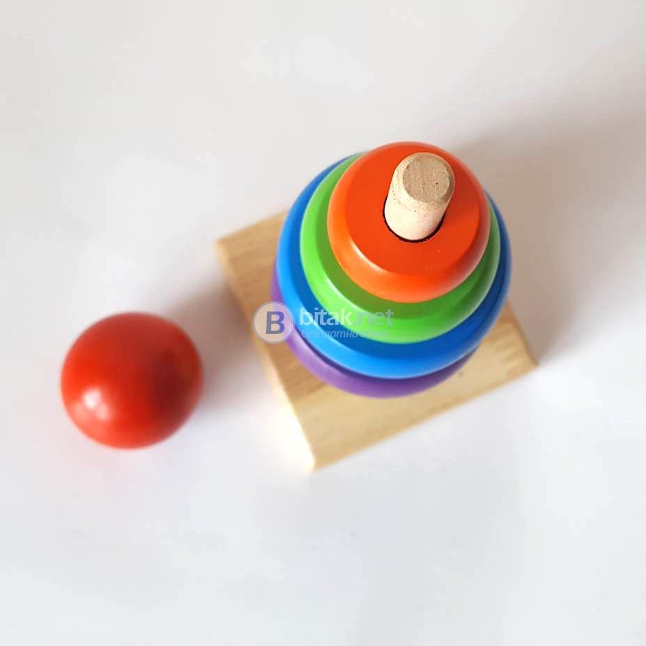 Занимателна играчка дървена пирамида с цветни рингове Монтесори пъзел