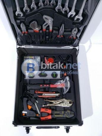 Куфар с ръчни инструменти