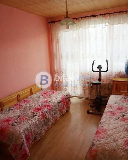 Тристаен апартамент до хотел Санкт Петербург!!!
