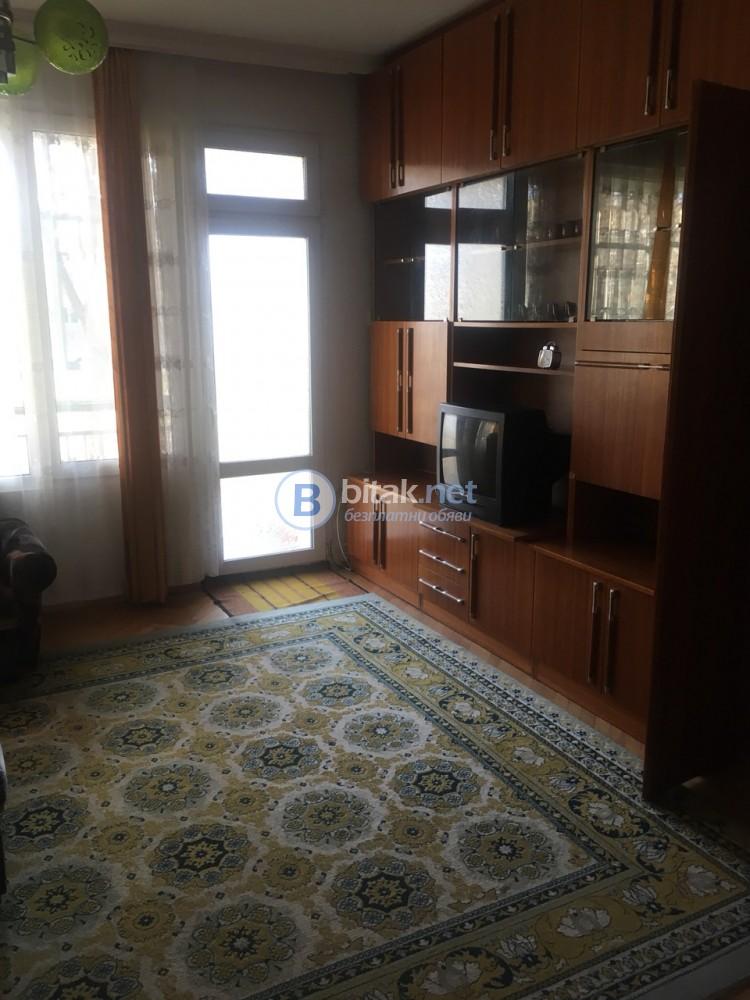 Двустаен апартамент-Смирненски