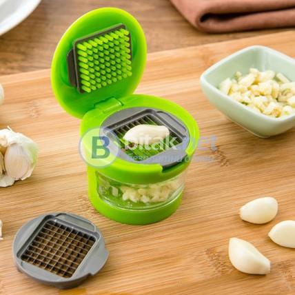 Ръчна преса за чесън маслини практичен кухненски инструмент