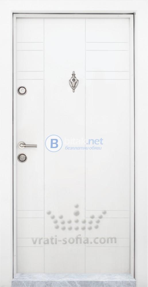 Блиндирана входна врата модел Т-598 Бяла