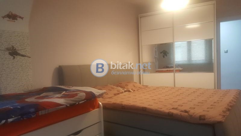 Голям двустаен апартамент - Каменица