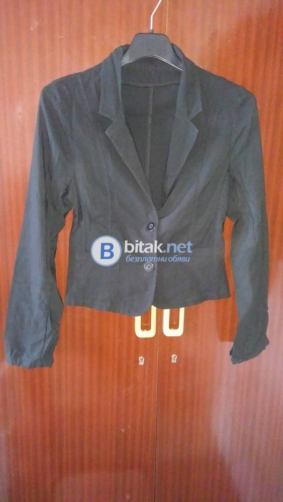 Черно дамско сако!