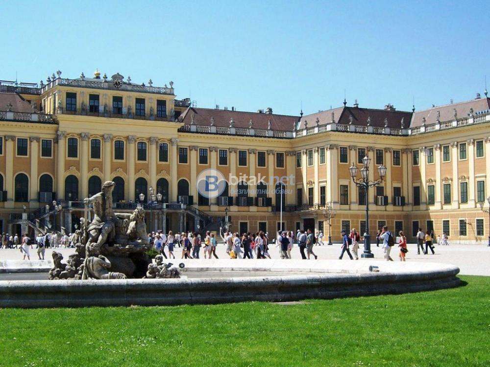 Виена - с Аромат на Щрудел и Капучино