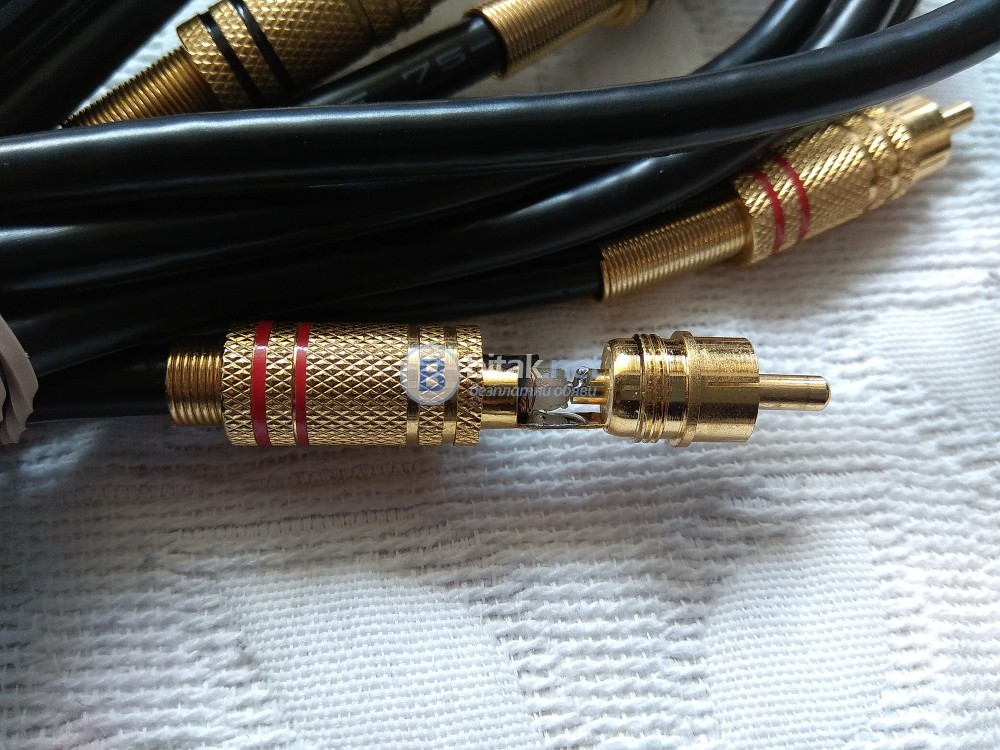 Качествен английски коаксиален кабел с позлатени конектори