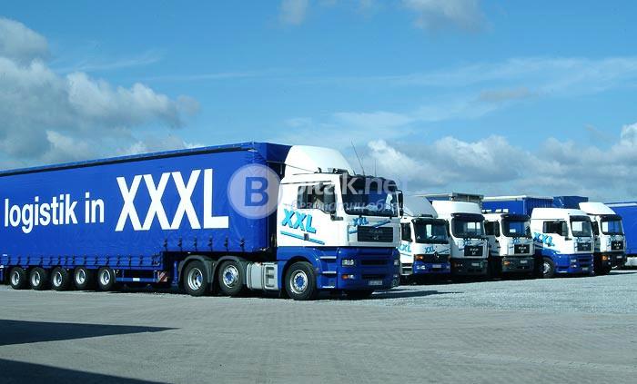Logistik in XXL предлага работа за камиони с брезентови ремаркета