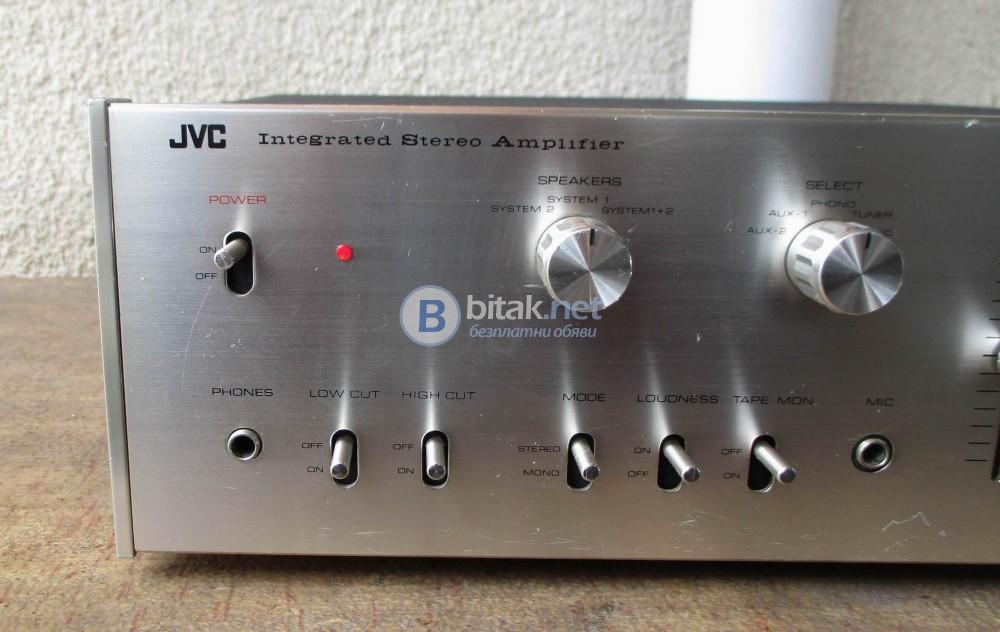 JVC VN-300 – Сребрист колекционерски красавец.