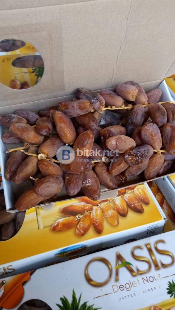 продавам алжирски натурални фурми на клонка