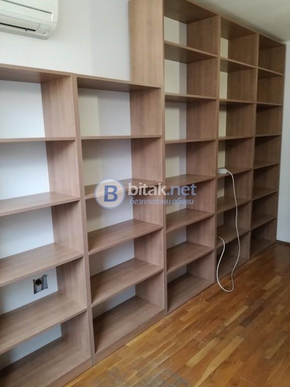 Мебели за магазин