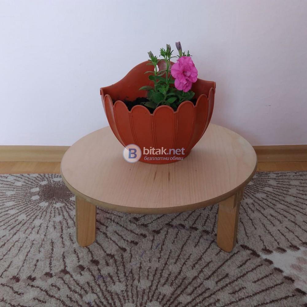Малка кръгла масичка сгъваема бамбукова стойка на три крака