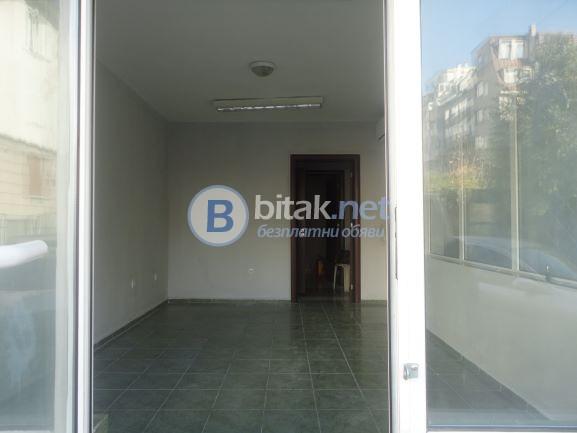 ПОД НАЕМ  - офис ТОП център Варна Общината