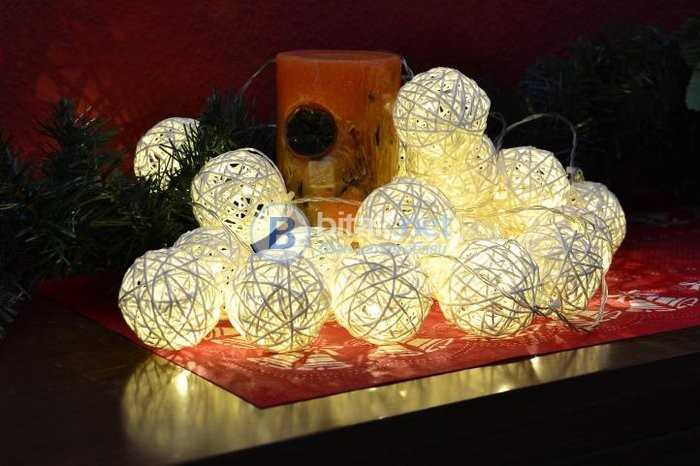 Зимна украса, 20 светещи овали, коледна украса, с батерии, топло бяло