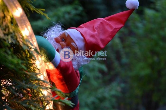 Дядо Коледа носи подаръци, Дядо Коледа за тераса, Дядо Коледа се катери, Коледна декорация за тераса