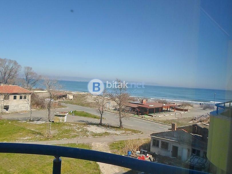 Обзаведено студио с гледка на 20 метра от плажа в гр. Поморие