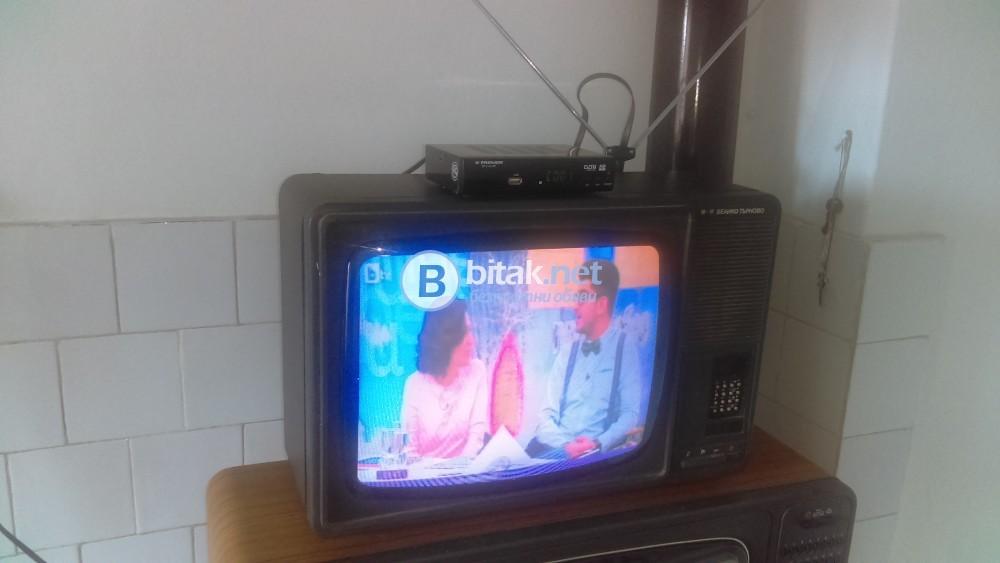Телевизор , 17 инча