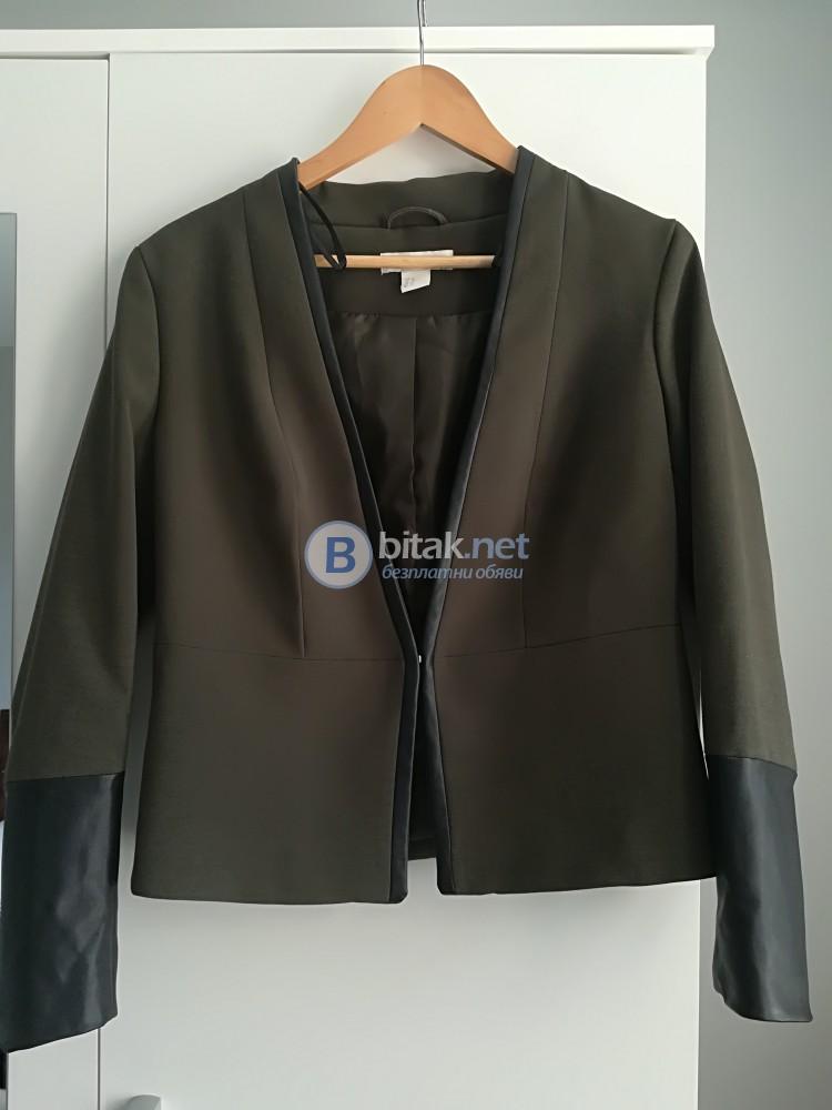 Продавам сако на HM чисто ново,не е носено