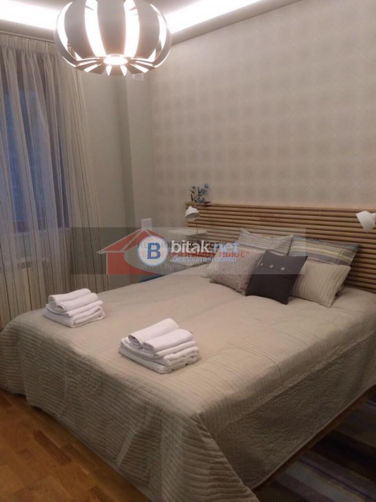 Под наем 3-стаен Център обзаведен топ локация дизайнерски мебели 700 евро
