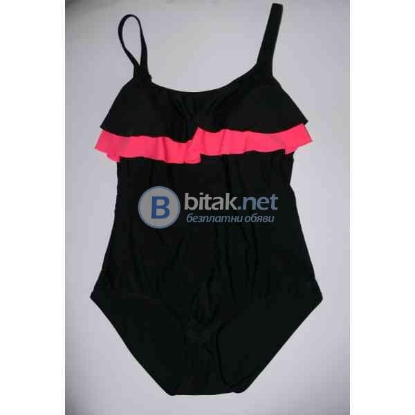 46-XL/XXL размер,Голям размер дизайнерски дамски бански  в черно с волан отпред, ляти дунапренови ча