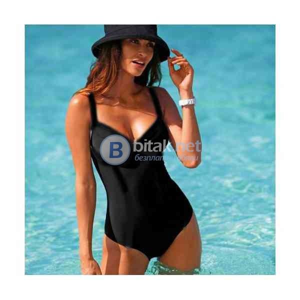 85Б - М размер, класически модел цял бански в черно с банел, мека чашка, марка Capricio  Няма подпла