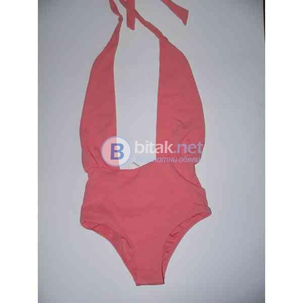 S размер, марка Forever 21, Английски секси цял бански цвят coral, тънка подплата