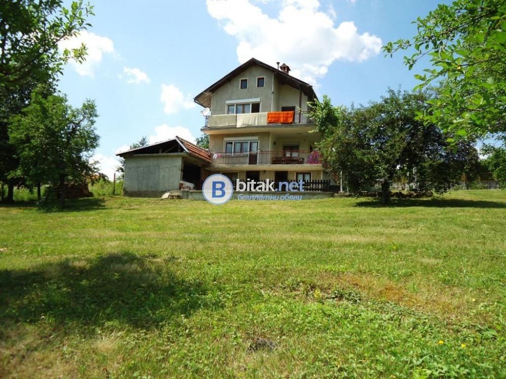 Къща в Севлиево
