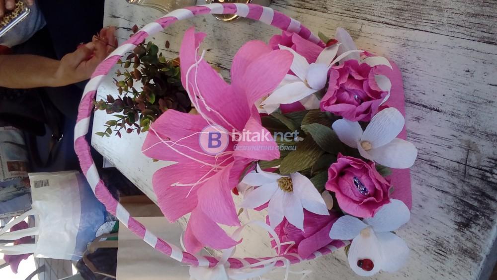 Бонбонена кошница с цветя