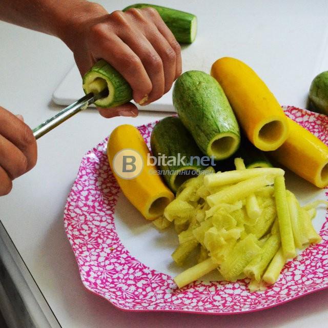 Нож за издълбаване на тиквички и други зеленчуци