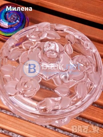Кристална купа с капак за бонбони и сладки